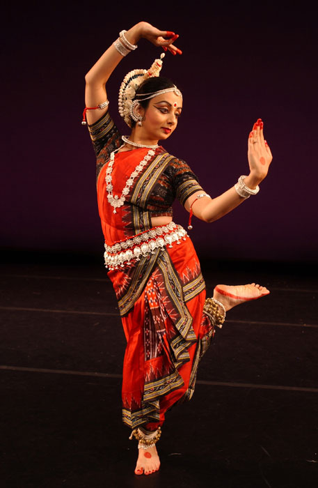 indian classical dance styles Indian classical dance, or shastriya nritya, is an umbrella term for various performance arts rooted in religious hindu musical theatre styles, whose .